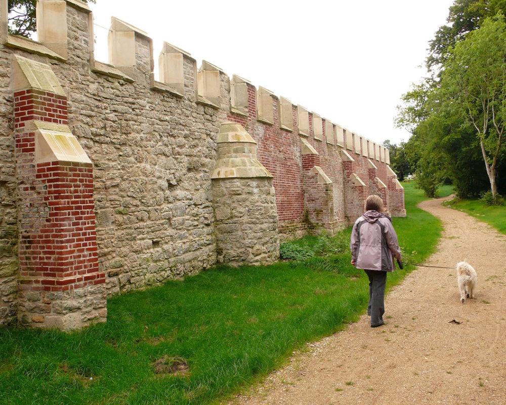 Dam wall - Copyright Jane Gifford 2007