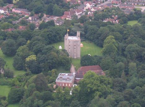Castle Hedingham courtesy of www.balloonride.org.uk